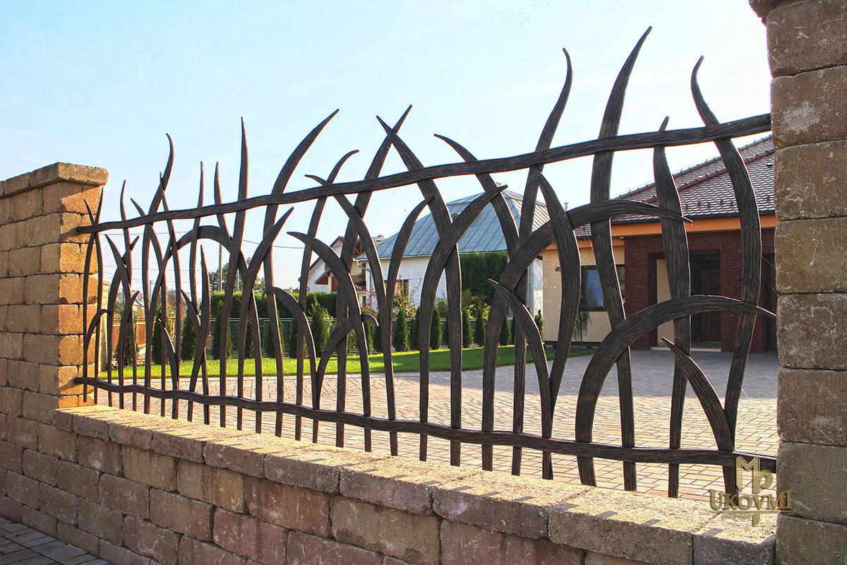 Gates and fences artistic blacksmith ukovmi for Luxury fences