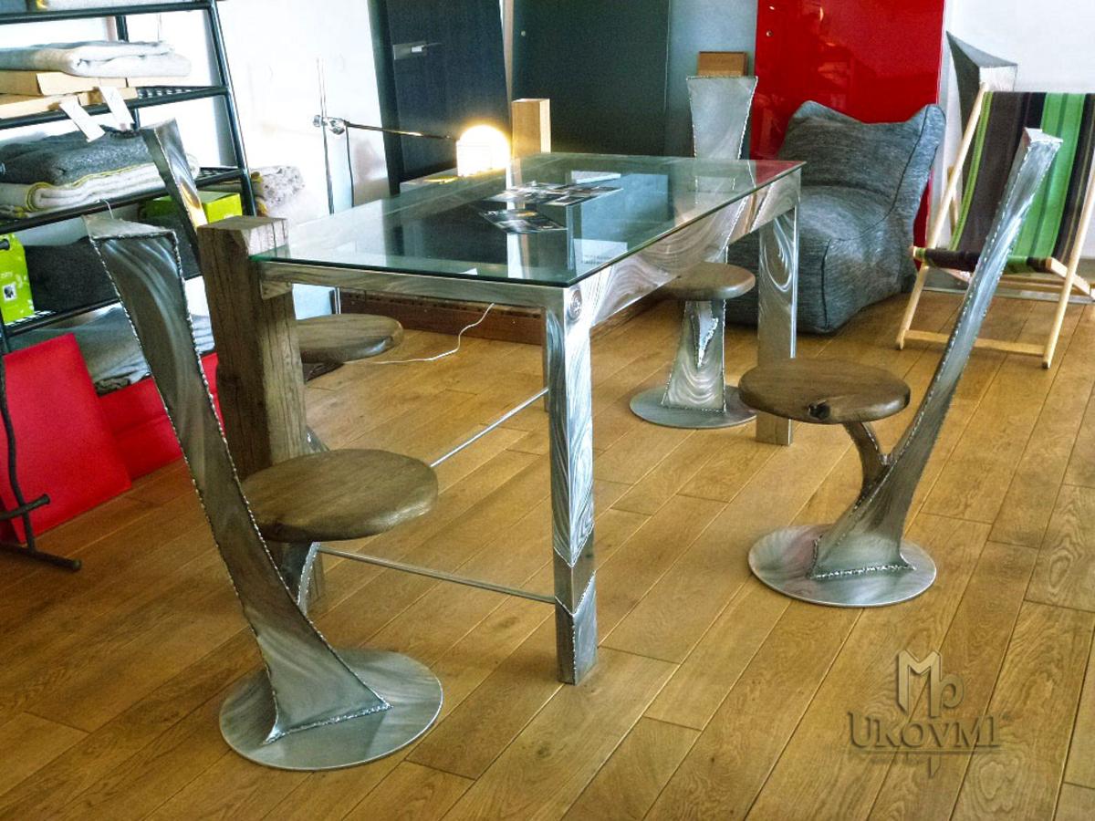 e2c7ffb7623e8 Nadčasový dizajn v modernom nerezovom sedení - nerezový stôl a stoličky - luxusný  nábytok