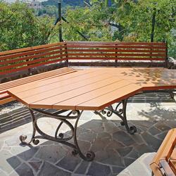 b0775917e871 Záhradný kovaný stôl a lavičky kombinované drevom - luxusný záhradný nábytok