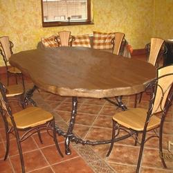 467fdde0c5cb4 Kovaný stôl a stoličky pre náročných - luxusný nábytok